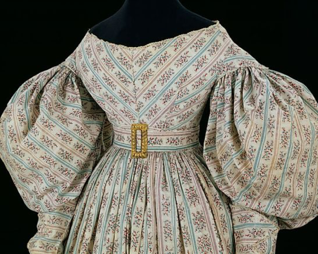 1830 day dress sleeves