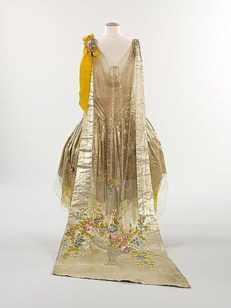 boue souers presentation gown 2
