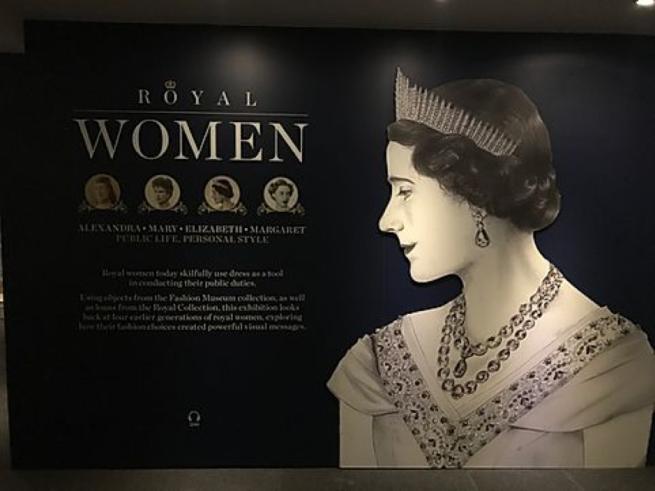 royal fashion exhibition