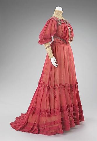 tea gown doucet 2